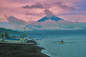 Pantai Amed View Gunung Agung