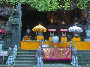 Goa Lawah, Istana Para Kelelawar