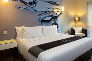 Kamar Deluxe Loft Legian Hotel