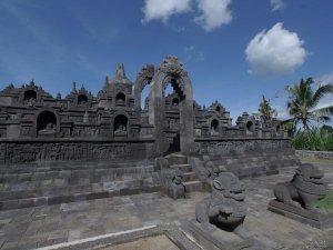 Borobudur Mini di Taman Nusa Bali